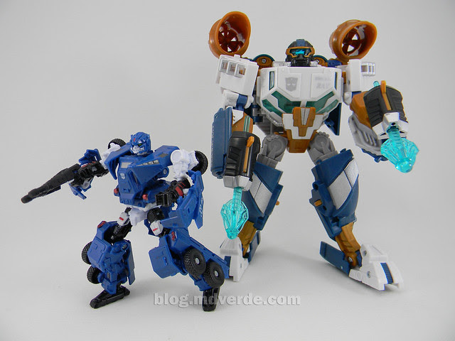 Transformers Breacher HftD Scout - modo robot vs. Seaspray