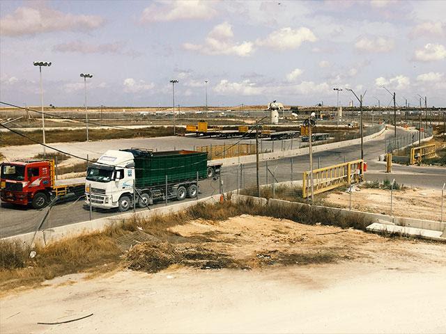 Jerusalem truck road