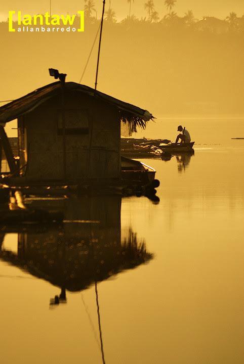 Sampaloc Lake: Preparing for the day