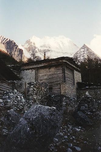 Shenrezig above Chonggu Gompa