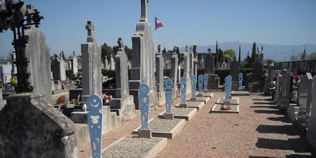 http://www.romanshistorique.fr/responsive/images/uploads/tombes-musulmanes1.jpg