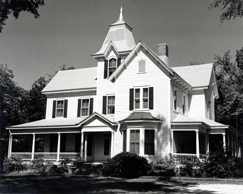 Everette-Hollis-House