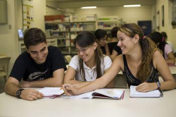 Estudantes devem fazer renovação semestral do Fies até 31 de dezembro