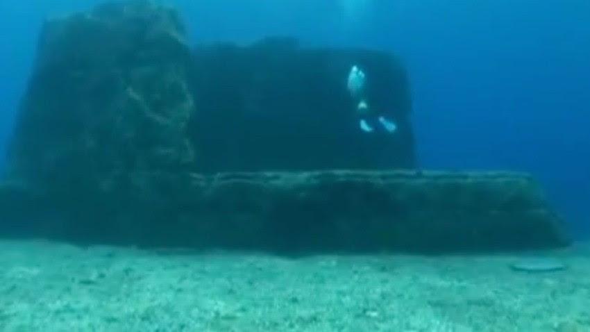 Mergulhador encontra cidade submersa (Foto: Reprodução)