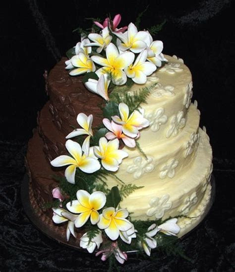 frangipani wedding with flowers (2 comments) Cake