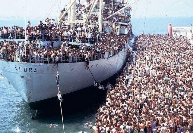 """Résultat de recherche d'images pour """"vague migratoire"""""""