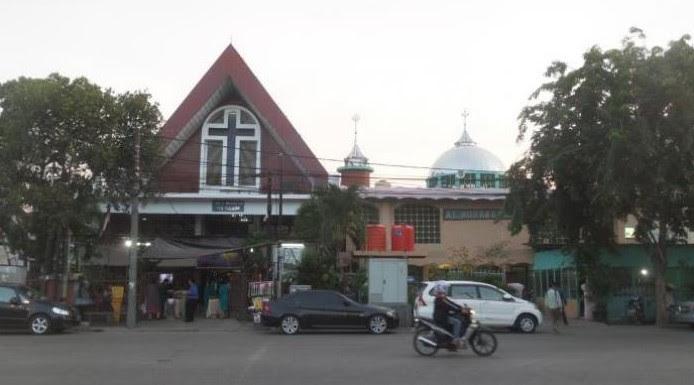 Indahnya Hidup Dalam Kerukunan Ketika Masjid Dan Gereja Di