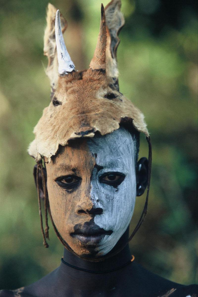 A beleza das Tribos Surma e Mursi, uma cultura em perigo, no sul de Etiópia 02