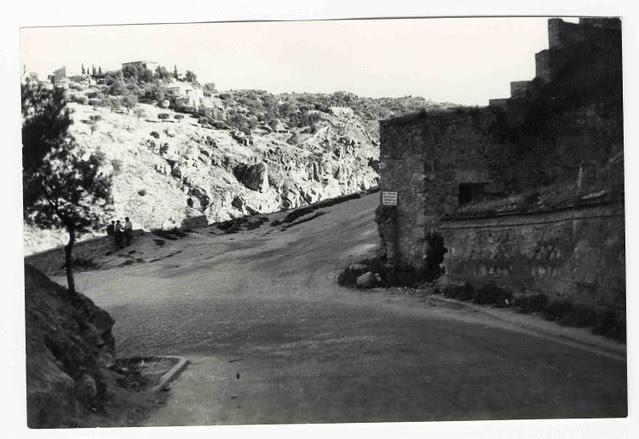 Cuesta de Doce Cantos hacia 1970. Colección Luis Alba. Ayuntamiento de Toledo