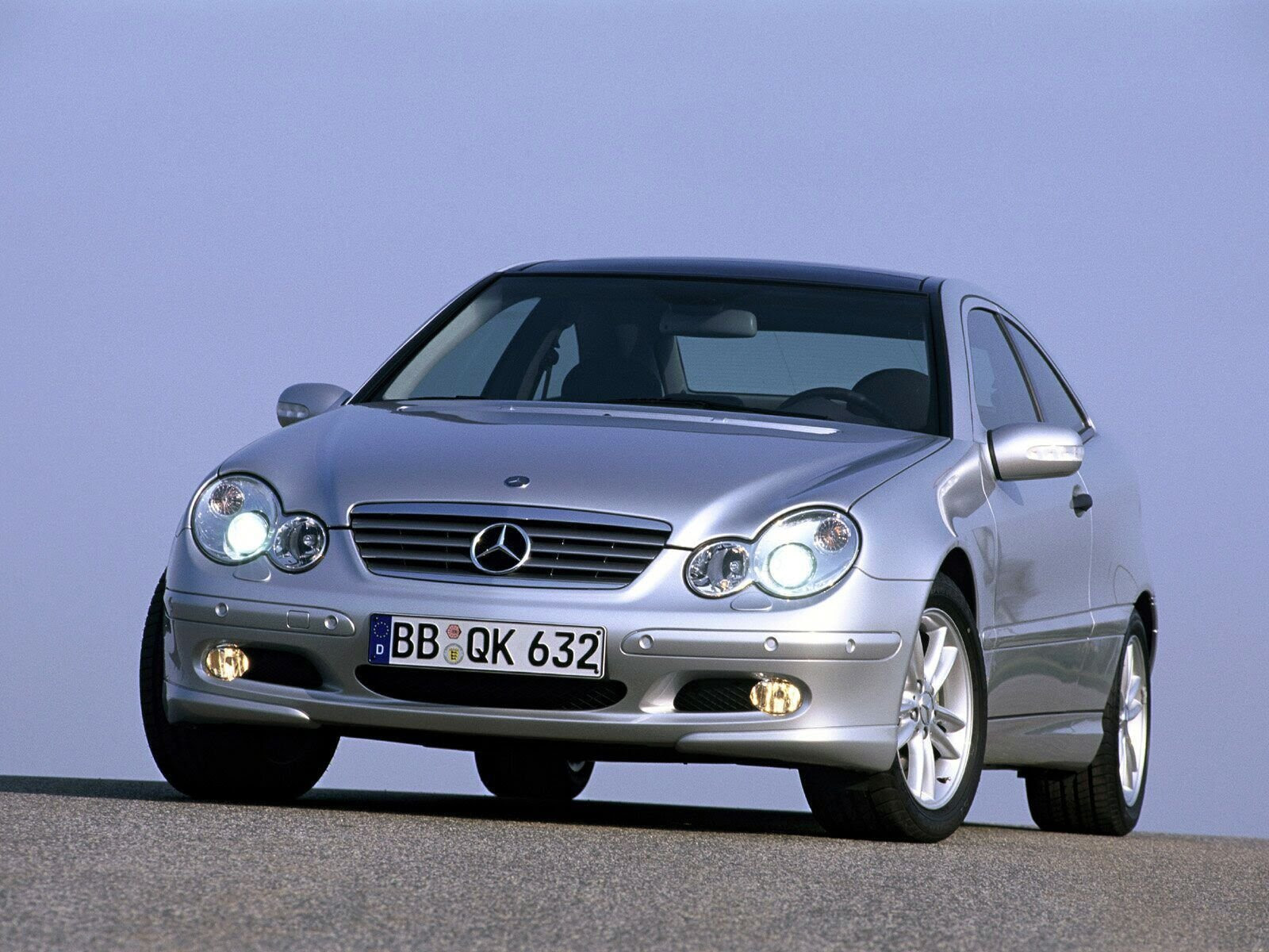2004 Mercedes C-Class - Picture 25811 | car review @ Top Speed