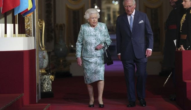 Η βασίλισσα Ελισάβετ και ο πρίγκιπας Κάρολος