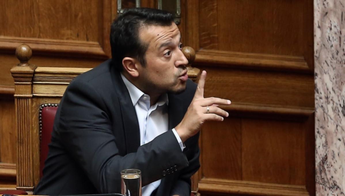 Ο υπουργός Επικρατείας Νίκος Παππάς (Α) και η βουλευτής της ΝΔ Νίκης Κεραμέως (Δ) παρίστανται στην Ολομέλεια της Βουλής στη μόνη συζήτηση και ψήφιση επί της αρχής, των άρθρων και του συνόλου του σχεδίου νόμου του Υπουργείου Περιβάλλοντος και Ενέργειας «Νέο καθεστώς στήριξης των σταθμών παραγωγής ηλεκτρικής ενέργειας από Ανανεώσιμες Πηγές Ενέργειας και Συμπαραγωγή Ηλεκτρισμού και Θερμότητας Υψηλής Απόδοσης - Διατάξεις για το νομικό και λειτουργικό διαχωρισμό των κλάδων προμήθειας και διανομής στην αγορά του φυσικού αερίου και άλλες διατάξεις», Πέμπτη 4 Αυγούστου 2016. Στο νομοσχέδιο έχει προστεθεί ως τροπολογία η κατασκευή του Μουσουλμανικού τεμένους στον Ελαιώνα, στην Αθήνα. ΑΠΕ-ΜΠΕ/ΑΠΕ-ΜΠΕ/ΣΥΜΕΛΑ ΠΑΝΤΖΑΡΤΖΗ