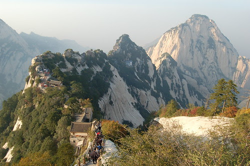 Die Wege laufen auf dem Grat entlang, so dass jeder Schritt unvergleichliches Panorama bietet.