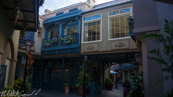 Disneyland Resort, Disneyland, New Orleans Square, Christmas Time, Mardi Gras, Decorations