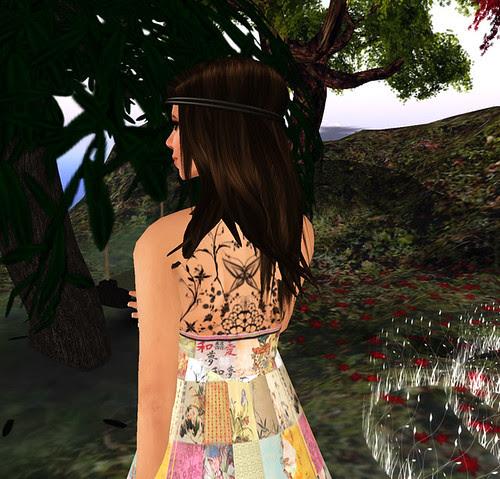 Sn@tch - Back of dress