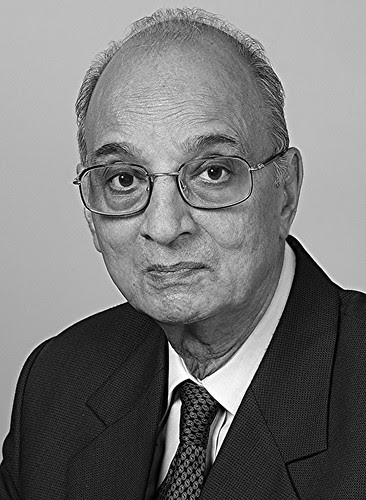 Mr KG Maheshwari  Hon. FIIPC, ARPS, APSA, Hon. FIP, Hon. NPPA by firoze shakir photographerno1