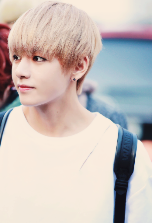 Btss V Looking Like A Real Life Anime Character 150806 Celebrity