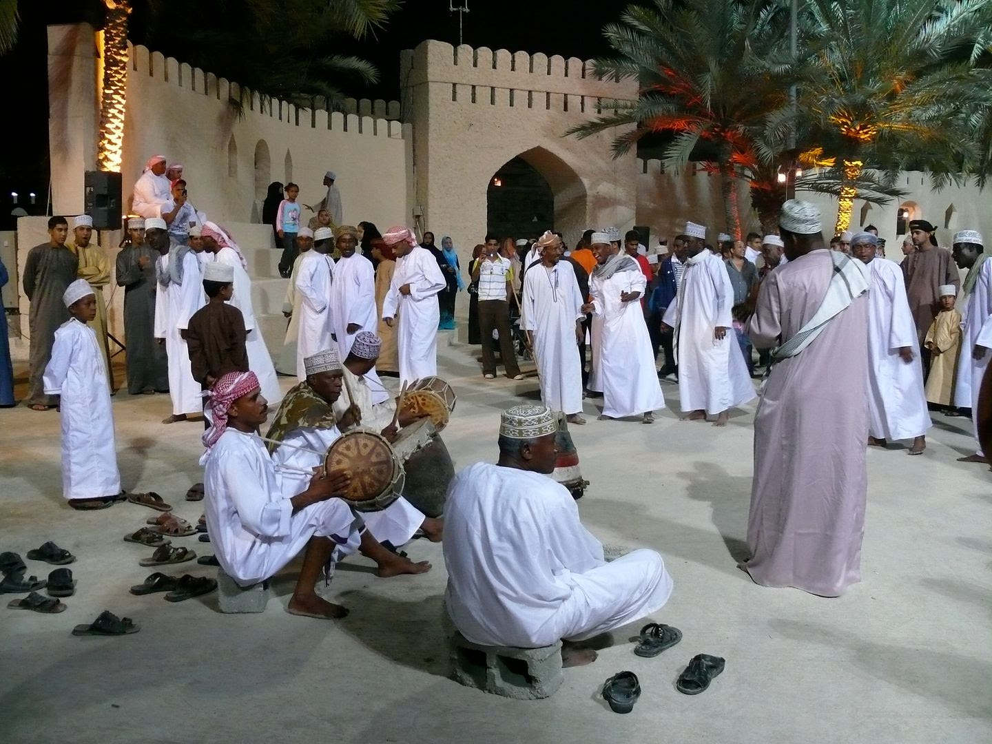 2012.02.21, Traditional singing and dancing (Muscat, Oman)