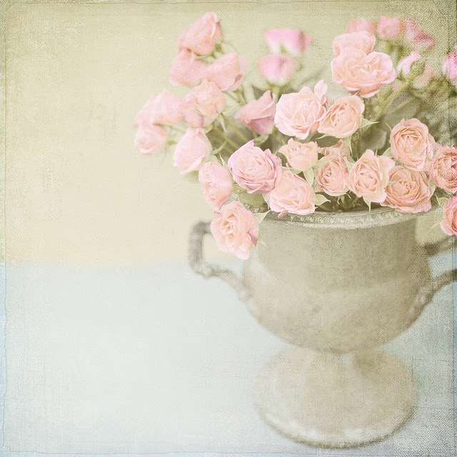 Flowers by Shana Rae of Florabella Collection. Beautiful.