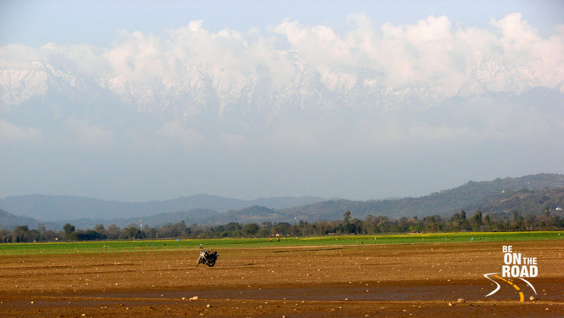 What a beautiful parking spot...with the Dhaula Dhuan Himalayan range in the background!!