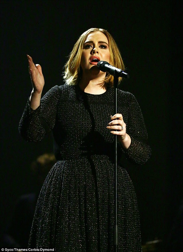 Show-durdurma!  O nihai sonuçlar Pazar gecesi göstermek X Factor sırasında gerçekleştirilen olarak Adele kesinlikle A-list yetenek liderliğindeki