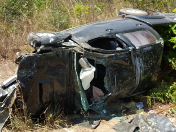 Dois veículos colidiram no município de Timon, MA (Foto: Divulgação/Corpo de Bombeiros Militar do Maranhão)