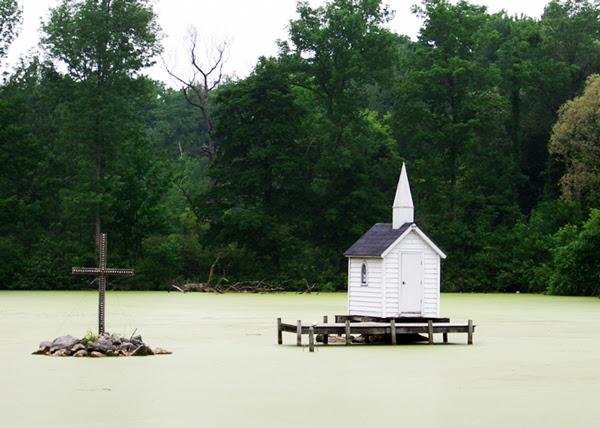 perierga.gr - Η μικρότερη εκκλησία στον κόσμο!