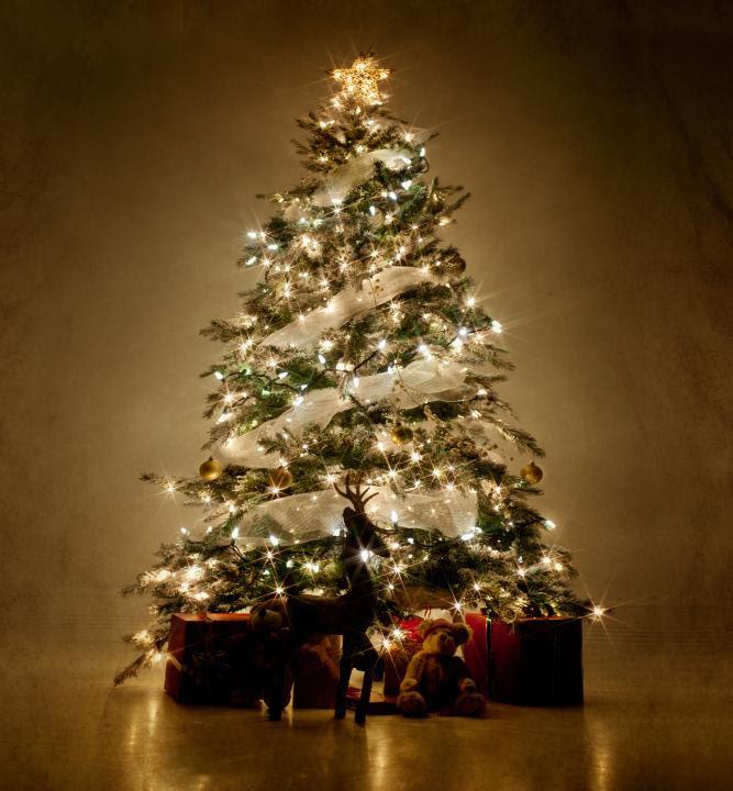 Resultado de imagem para elegant christmas tree