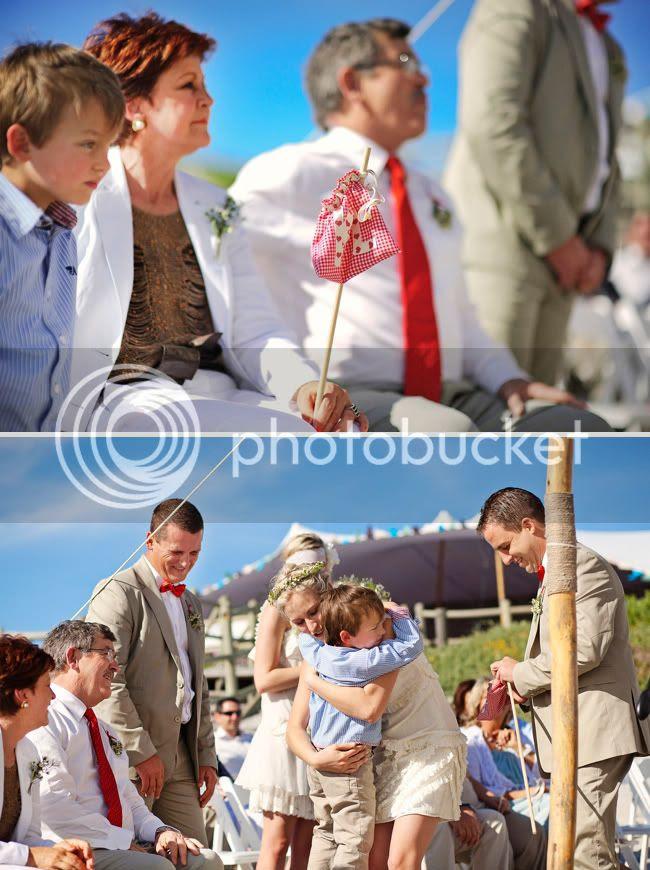http://i892.photobucket.com/albums/ac125/lovemademedoit/welovepictures/StrandKombuis_Wedding_067.jpg?t=1324654900