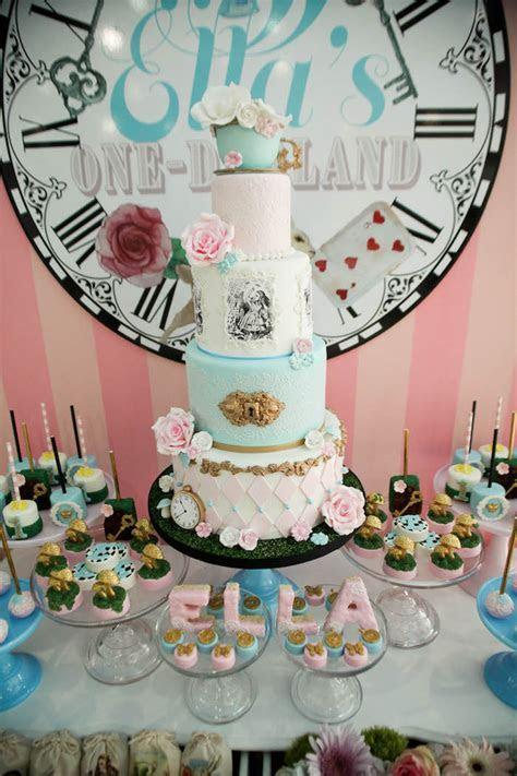 Kara's Party Ideas Alice in Wonderland Birthday Party