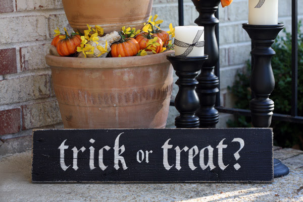 Trick or Treat - 2ft Painted Sign - Halloween