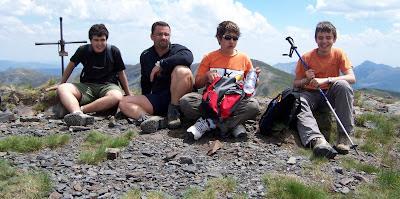 Oscar, Roberto, David y Rubén en la cumbre del Pico Huevo de Vegarada