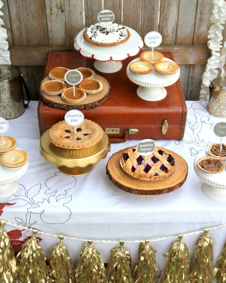 Fall Wedding: Pie station for your fall wedding.