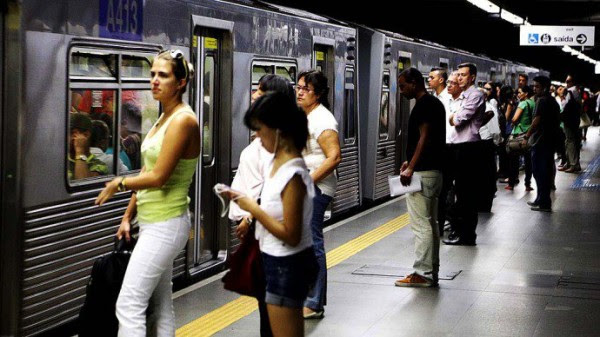 metrô São Paulo homofobia racismo