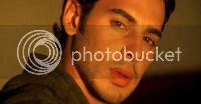 http://i298.photobucket.com/albums/mm253/blogspot_images/Raaz/PDVD_040.jpg