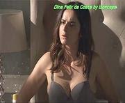 Dina Felix da Costa usando lingerie e biquini na novela Ouro Verde