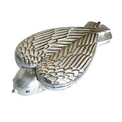 Salvador-dali-bird-in-hand-compact