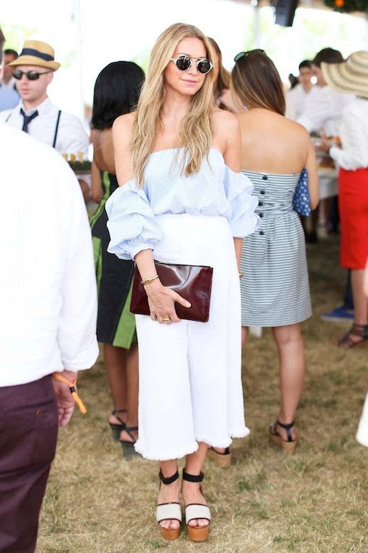 8 Le Fashion 31 Stylish Ways To Wear An Off The Shoulder Look Jennifer Fisher Blue Top White Culottes Via Vogue