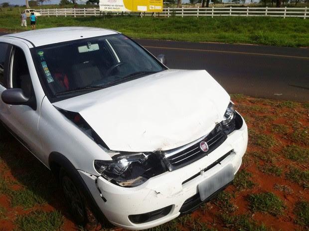 Acidente de trânsito envolveu quatro veículos nesta sexta-feira (21), em Martinópolis (Foto: Joilton Carlos/Rádio Fronteira)