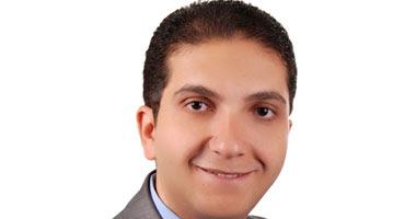 الدكتور أحمد غلوش أخصائى الجهاز الهضمى والكبد