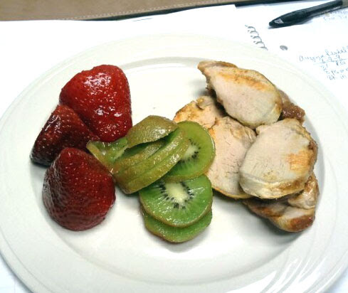 snack - strawberries, kiwi and 4 oz pork tenderloin