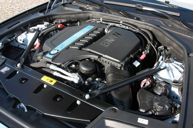 2013 BMW ActiveHybrid 5 engine