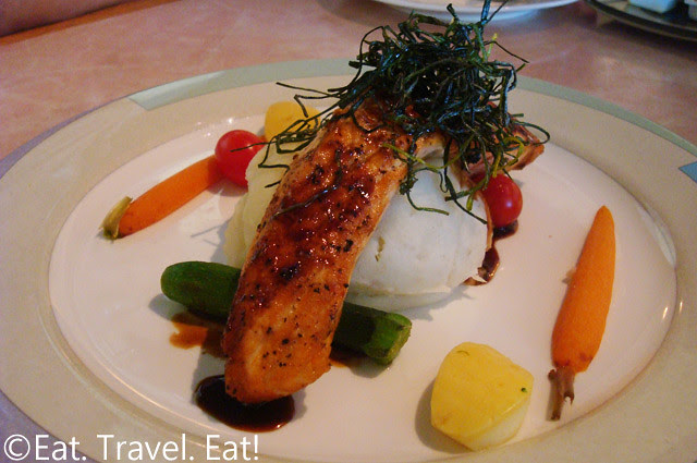 Sesame Grill: Salmon (Lunch)