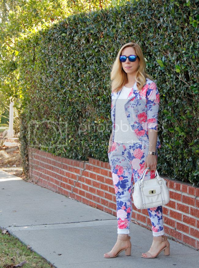 Los Angeles area fashion blogger The Key To Chic shares her festival style with Boohoo floral coordinates.
