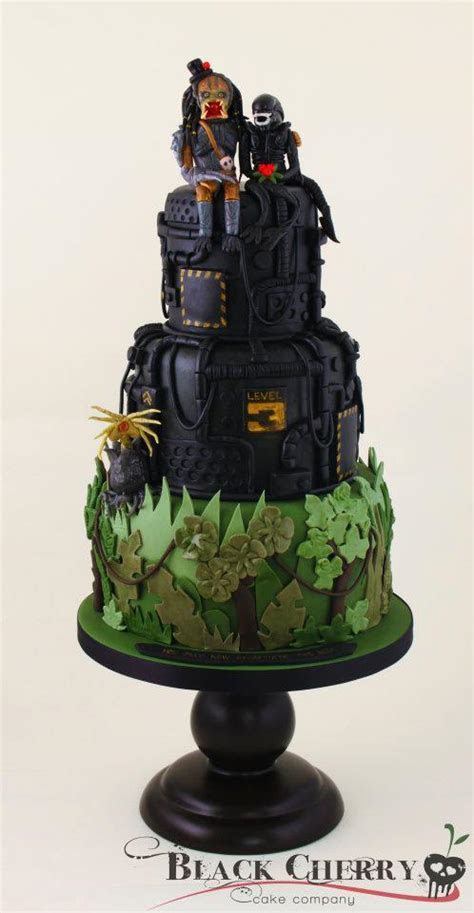alien and predator cake   AlternaBrides