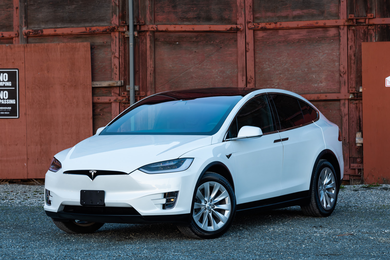 2018 Tesla Model X 75d Silver Arrow Cars Ltd