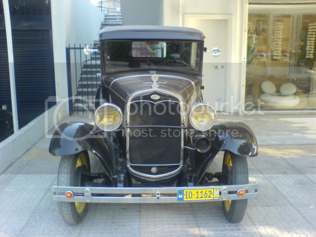 Ford Model A Deluxe Tudor Sedan 1928 (1)
