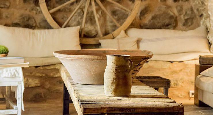Detalles Wabi Sabi. Casa rural provenzal en La Capelle et Masmolène, Francia
