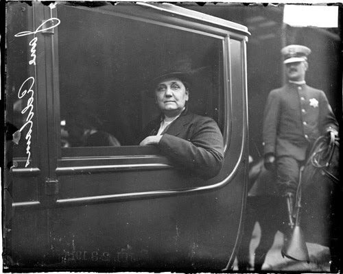 Chicago Daily News: Jane Addams in a car