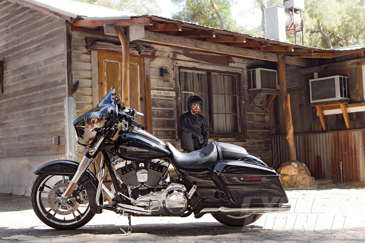 Harley Davidson Street Glide Special Image 6